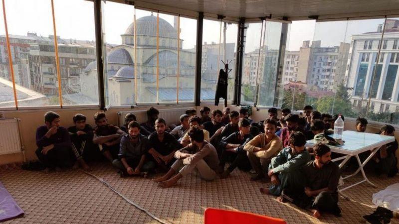 Van'da bir otelde 26 düzensiz göçmen yakalandı