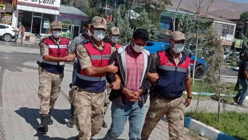 Muradiye'de çaldılar, Erciş'te yakalandılar!