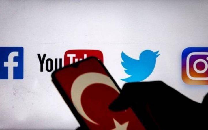 Sosyal medya düzenlemesi Ekim'de