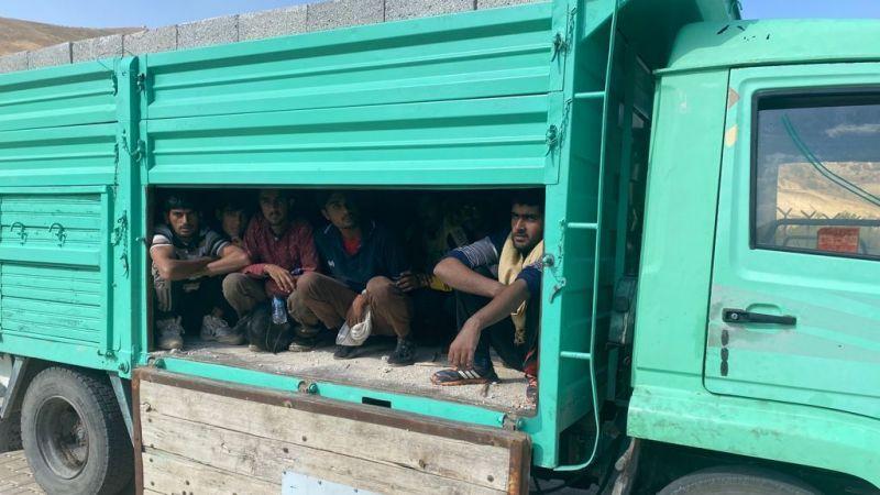 Van'da briket yüklü kamyonette 27 göçmen yakalandı!
