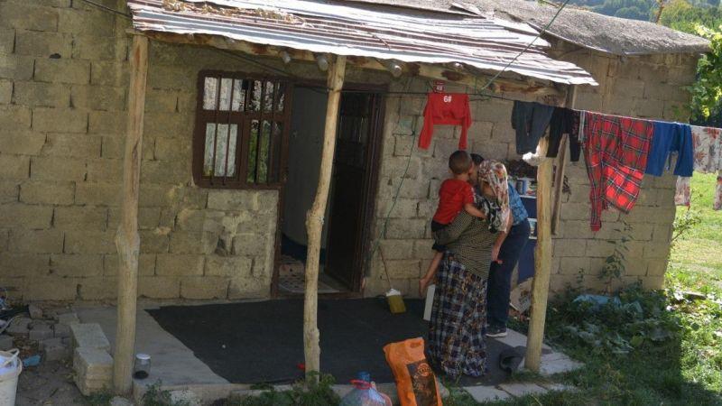 Türk Kızılayı Hakkari Şubesinden 6 nüfuslu aileye yardım eli