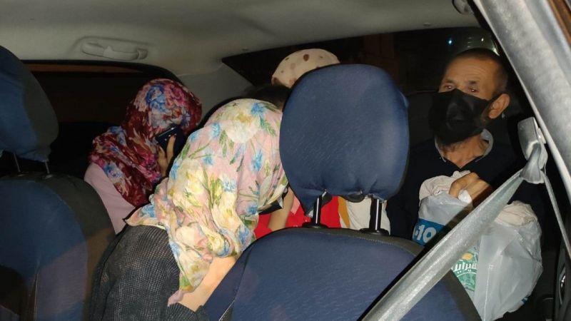 Van'da bir otomobilde 8 düzensiz göçmen yakalandı