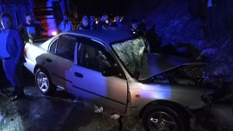 Bitlis son dakika: Bitlis'te tır ile otomobil çarpıştı: 2 yaralı