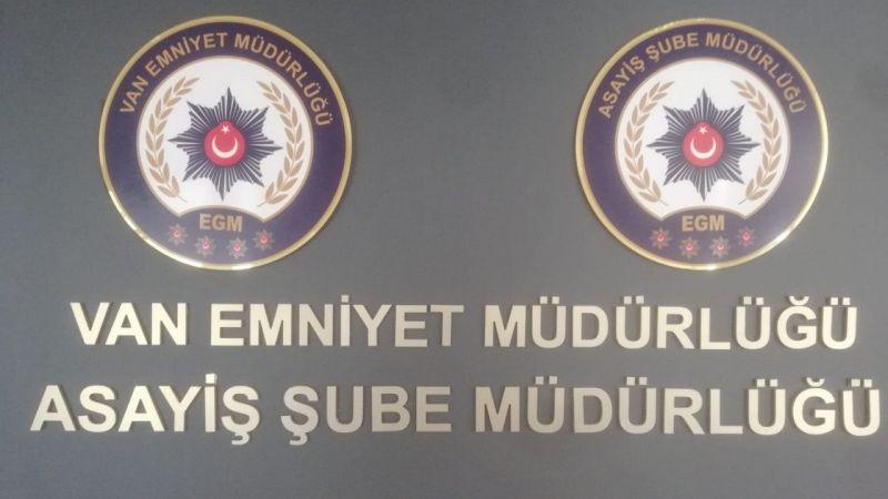 Van'da aranması bulunan 17 şahıs yakalandı