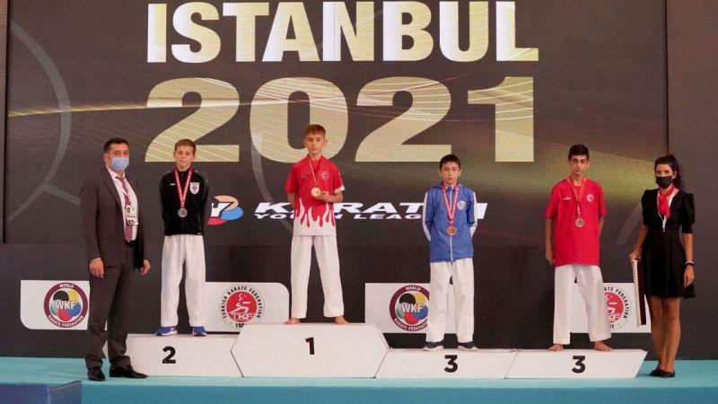 Vanlı karateci Güngör, dünya birincisi oldu