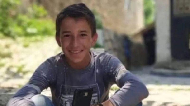 Ceviz ağacından düşen 15 yaşındaki çocuk hayatını kaybetti
