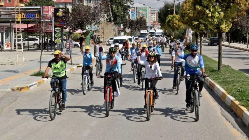 Van'da bisiklet turu etkinliği renkli görüntülere sahne oldu