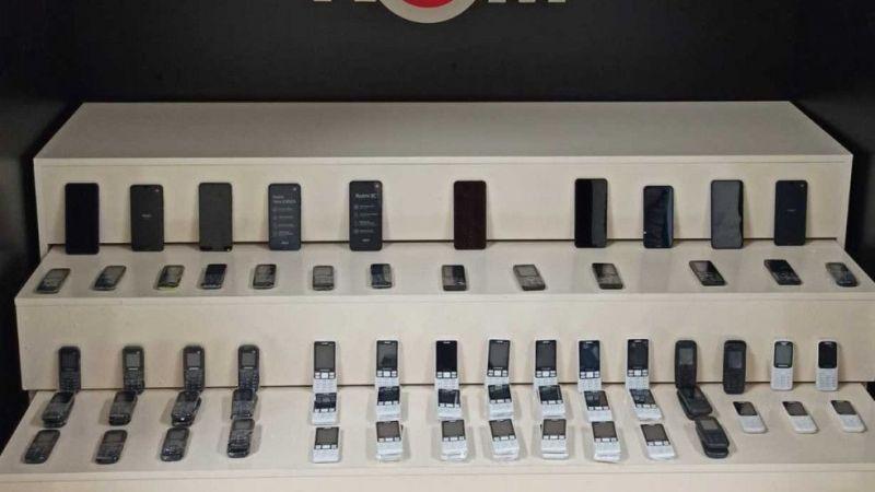 Van'da 106 cep telefonu ve tıbbi ilaç ele geçirildi
