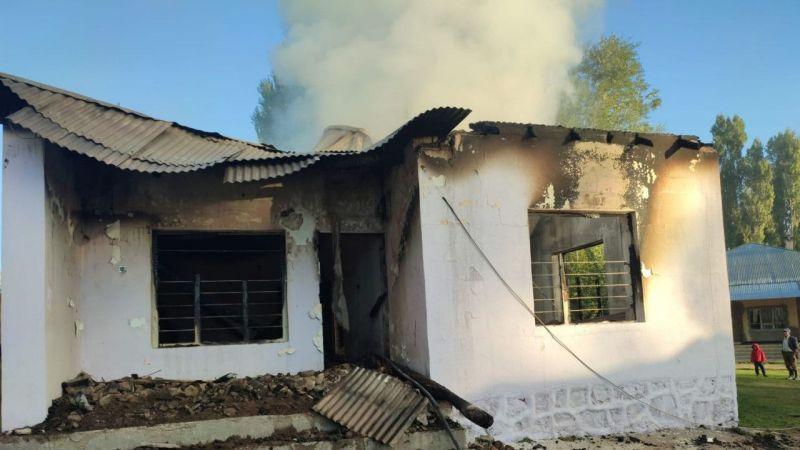 Van Erciş'te korkutan yangın!  Ev kullanılamaz hale geldi
