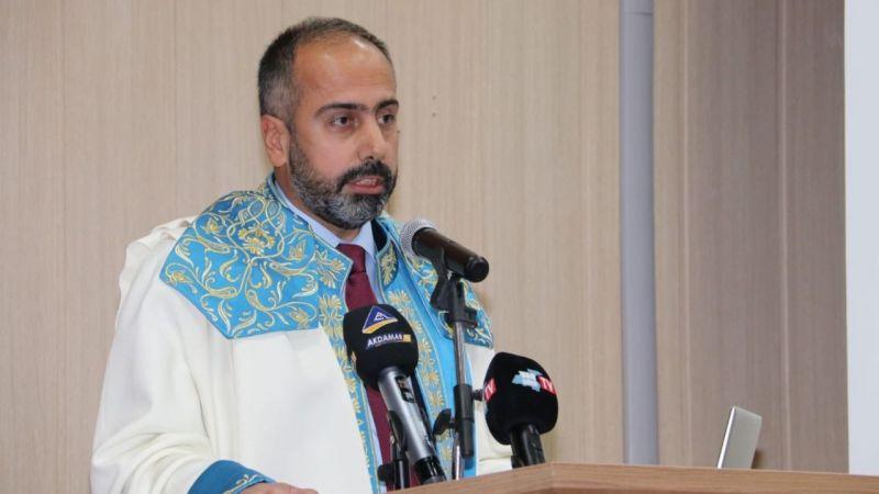 Van YYÜ'de 2021-2022 akademik yılı törenle açıldı