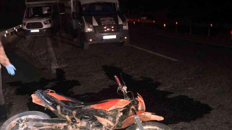 Hizan'da motosiklet ile otomobil çarpıştı: 1 ölü