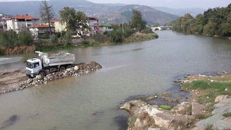Sakarya Nehrini Geyve Belediyesi temizleyecek...