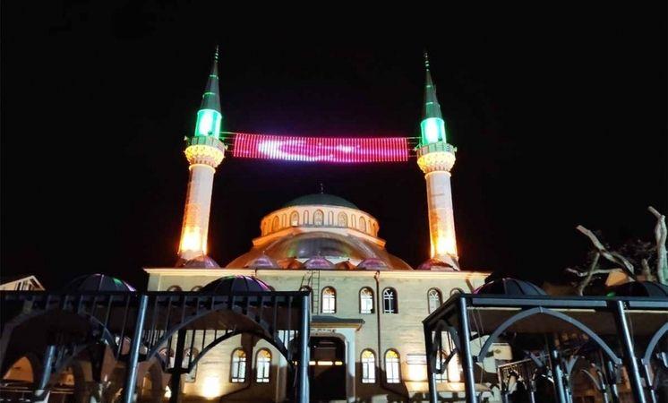 Geyve'de gece yarısı camilerden selalar yükselecek