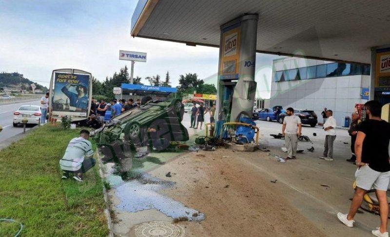 Yoldan çıktı takla attı akaryakıt istasyonunun pompasına çarptı! 1 yaralı...