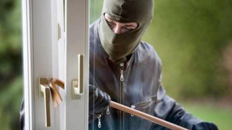 Alifuatpaşa'da bir eve giren hırsızlar ziynet eşyalarını çaldılar