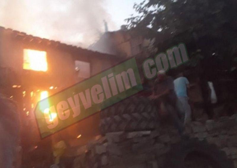 Karacaören'de yangına ilk müdahaleyi köylüler yaptı