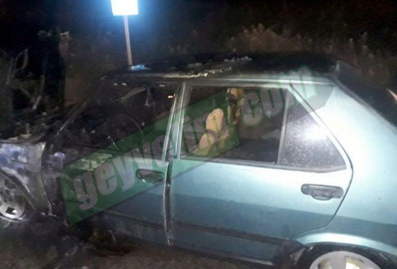 Geyve de seyir halindeki otomobil yandı!