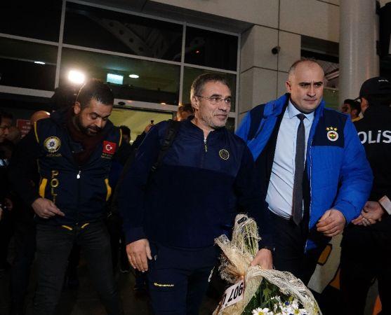 Fenerbahçe'ye Antalya'da Sevgi Seli