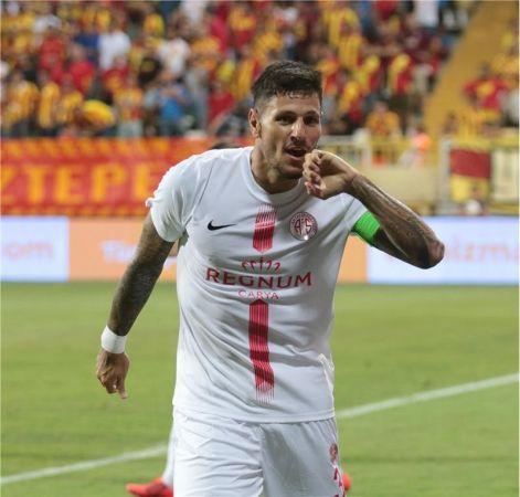 Kayserispor Brezilyalı Stoper Angelo'yu Transfer Etti