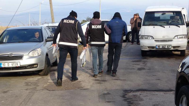 Sahte polis kimlikli yabancı uyruklu çeteye operasyon