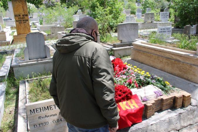 Deniz Gezmiş 48'inci yıl dönümünde mezarı başında anıldı