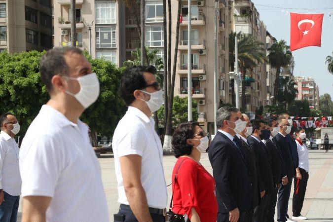 Mersin'de sosyal mesafeli 19 Mayıs töreni