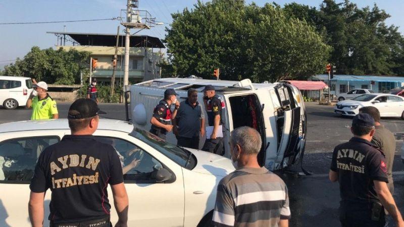 Tarım işçilerini taşıyan minibüs ile otomobil çarpıştı