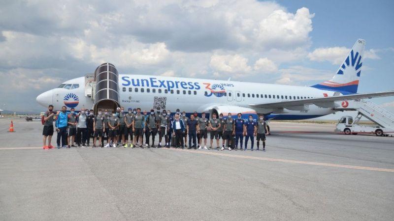 DG Sivasspor İstanbul'a gitti