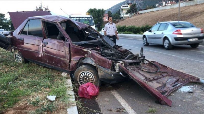 Otomobil refüje çıktı, kazada sürücü ağır yaralandı