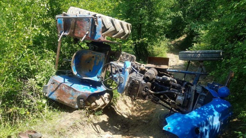traktör-altinda-kaldi