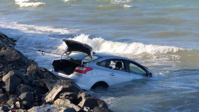 otomobil-denize-uctu