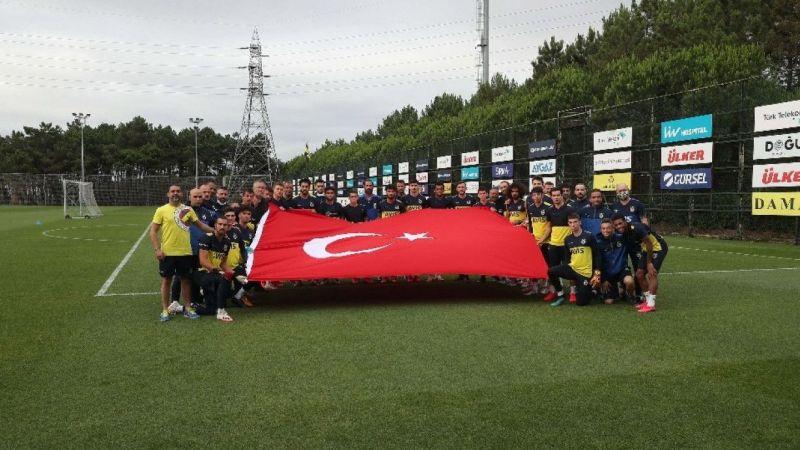 Fenerbahçe'de Beşiktaş maçı hazırlıkları sürüyor