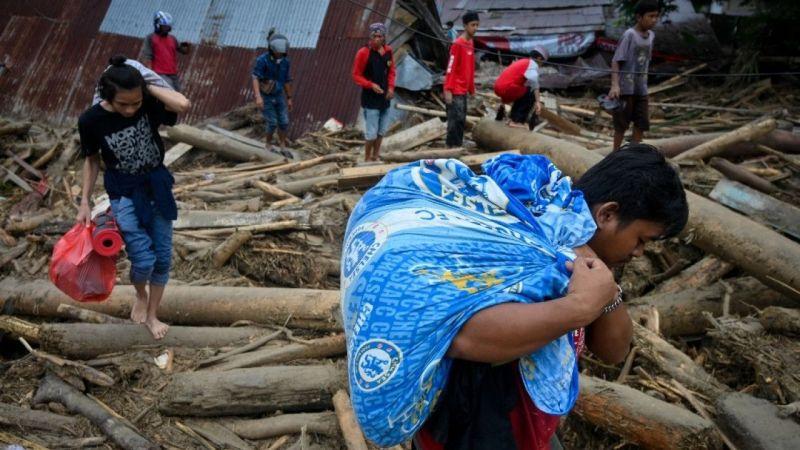 Endonezya'da sel felaketi! Hayatını kaybedenlerin sayısı 25 oldu!