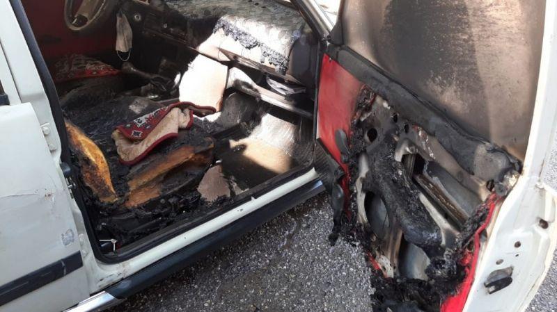 Adıyaman'da park halindeki otomobil alev aldı