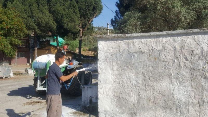 Fedakar Muhtar köyünü bayrama hazırladı