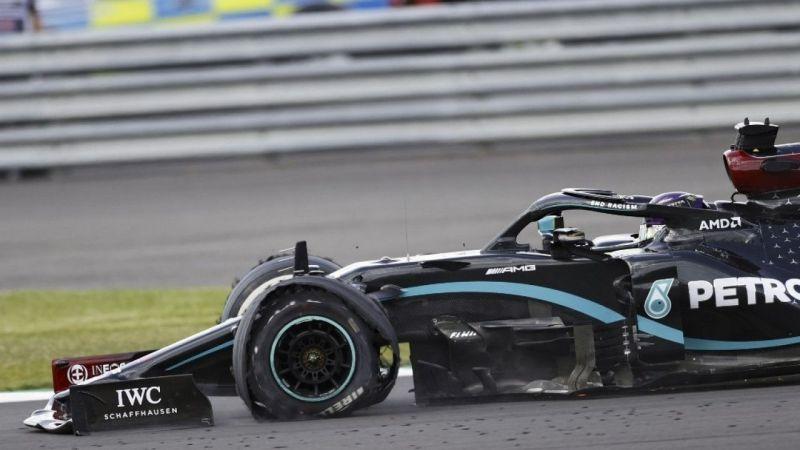 Formula 1'de Hamilton patlak lastikle kazandı