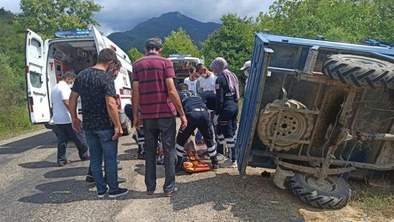 Kastamonu'da patpat devrildi: 2 yaralı
