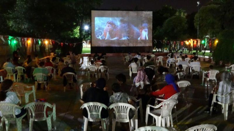 Şanlıurfa'da açık hava sinemasına yoğun ilgi
