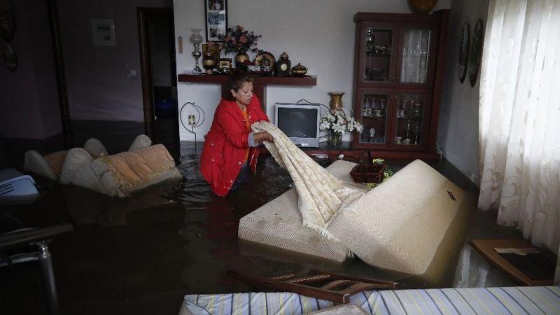 Yunanistan'da sel felaketinde 5 kişi öldü
