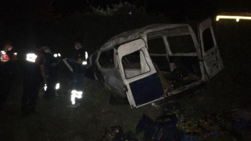 Muğla'da minibüs şarampole yuvarlandı: 1 ölü