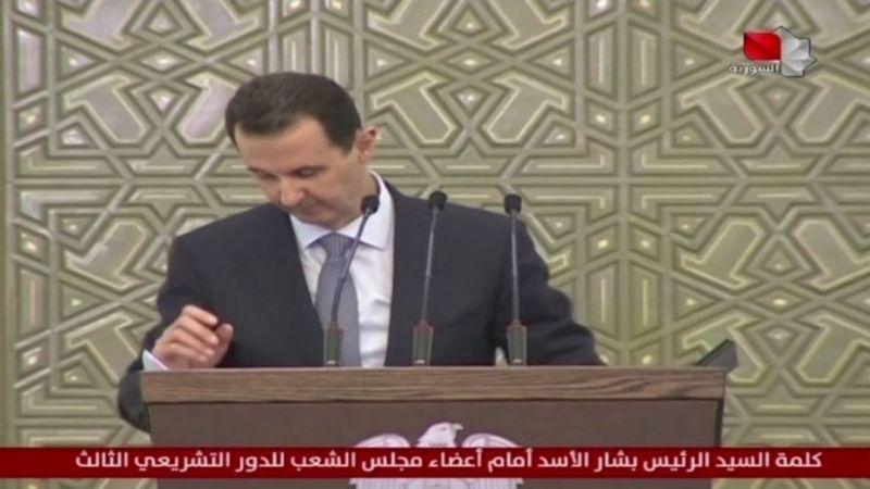 Konuşma esnasında Esad'ın tansiyonu düştü