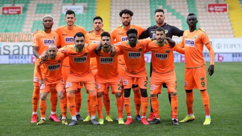 Alanyaspor 10 futbolcu ile yollarını ayırdı