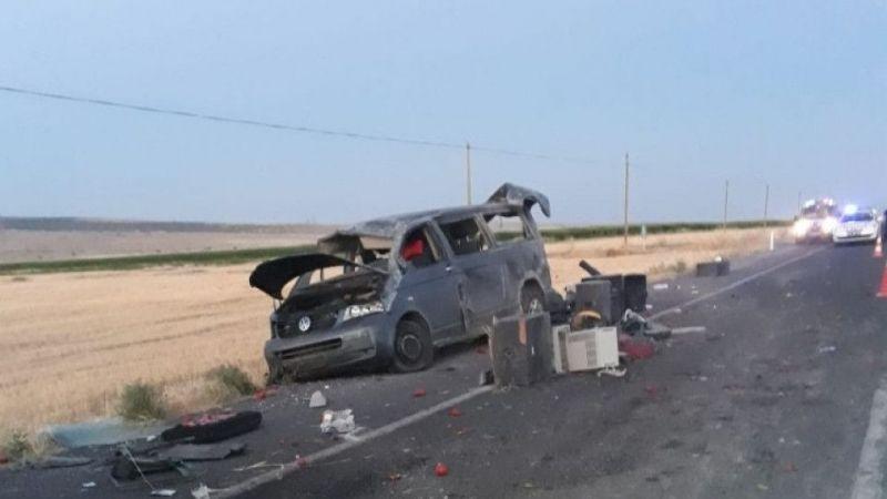 Konya'da minibüs takla attı: 3 yaralı