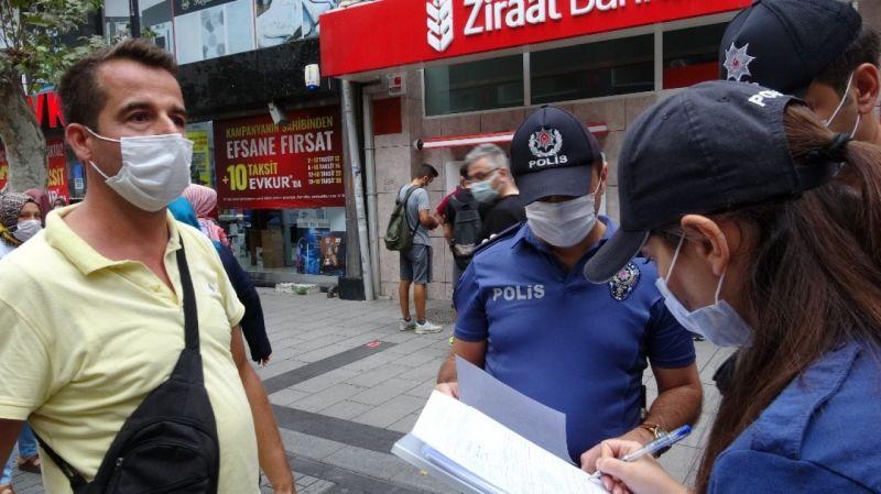 """Maske takmayan vatandaştan polise tepki: """"Senin ismini öğreneceğim ben"""""""