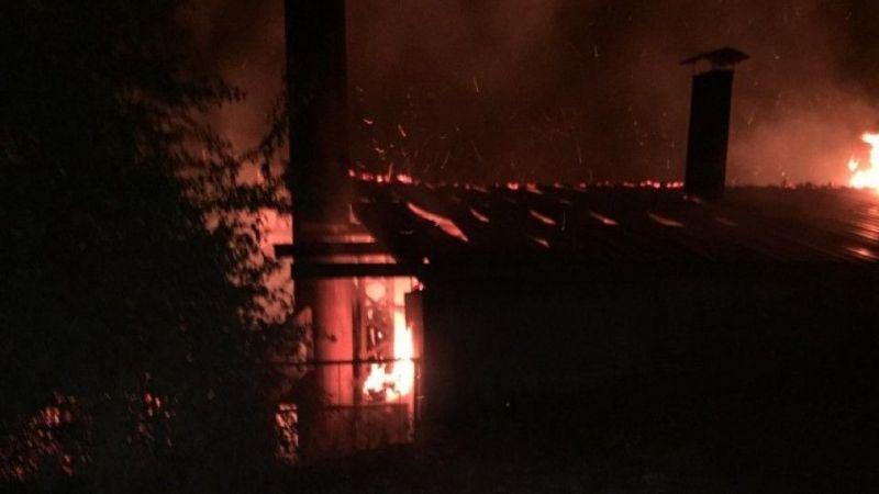 Kütahya Simav'da korkutan fabrika yangını