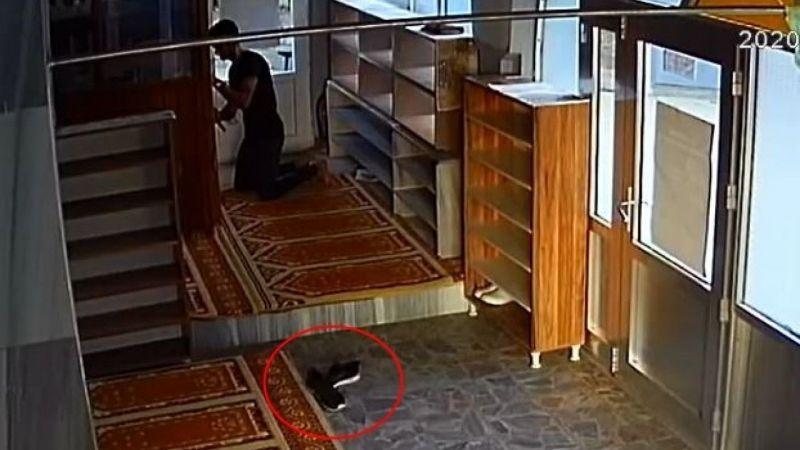 Cami cemaatini çileden çıkaran hırsızı ayakkabıları ele verdi