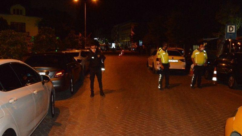 Polis kontrol noktası yakınında şüpheli çanta alarmı