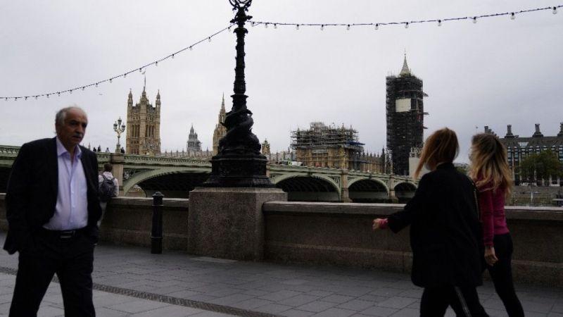 İngiltere'de günlük koronavirüs vaka sayısında rekor