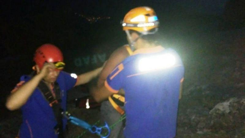 Dağda mahsur kalan şahsı AFAD ekipleri kurtardı