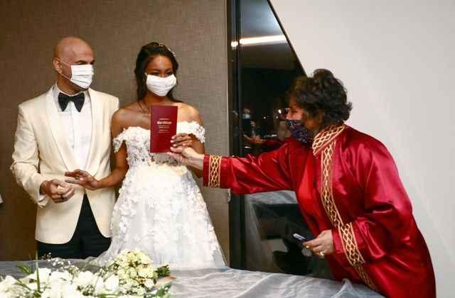 Soner Sarıkabadayı ve Madelein Lopez Camelo evlendi! İşte nikahtan ilk  kareler - Haber Takvimi